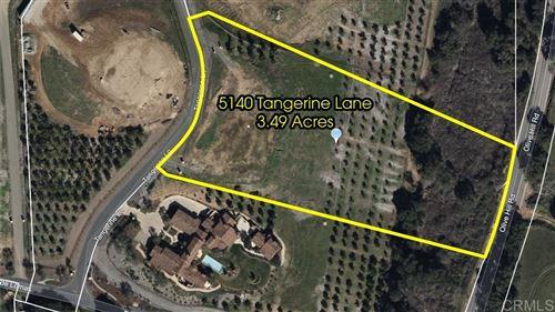 Photo of 5140 Tangerine Ln, Fallbrook, CA 92028 (MLS # 200023239)