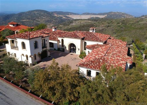 Photo of 18386 Via Ambiente, Rancho Santa Fe, CA 92067 (MLS # 210010239)
