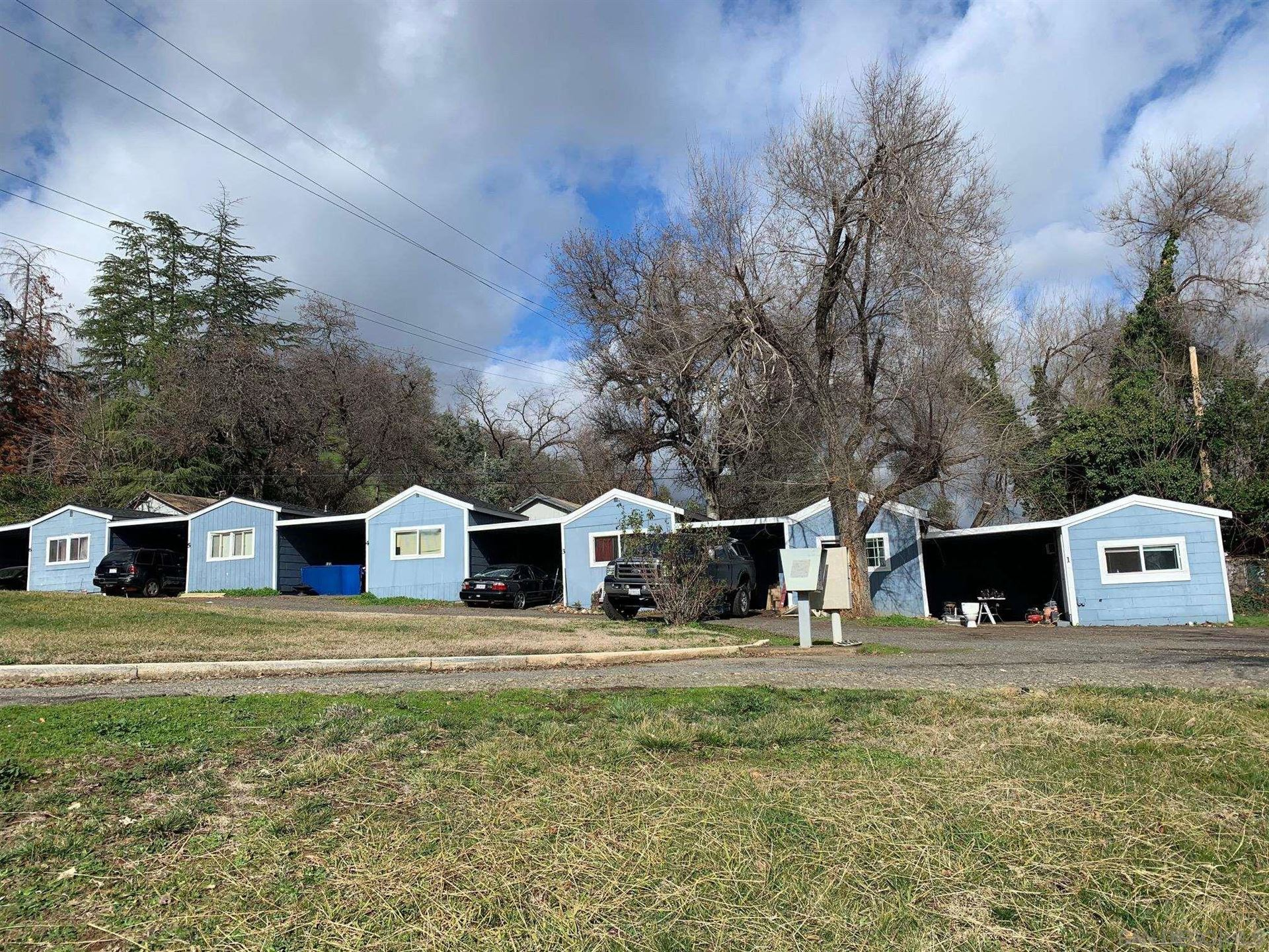 Photo of 4070 Railroad Ave, Redding, CA 96001 (MLS # 210025240)