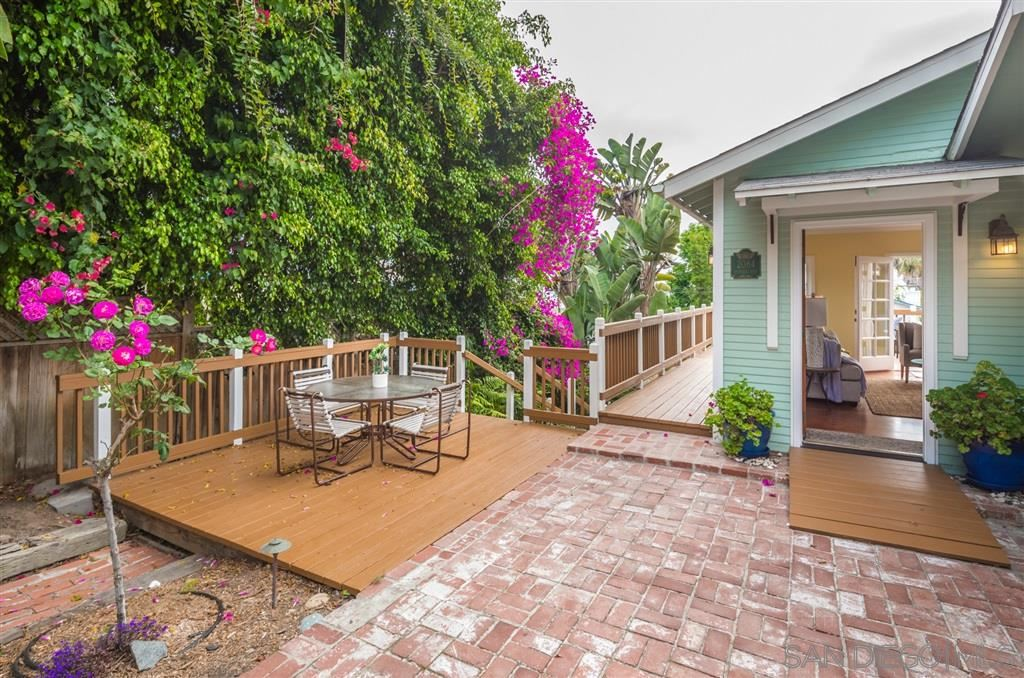 Photo of 2084 OXFORD AVE, CARDIFF BY THE SEA, CA 92007 (MLS # 200028245)