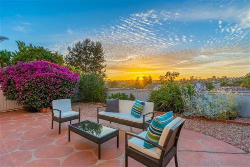 Photo of 1575 Golfcrest Pl, Vista, CA 92081 (MLS # 210015250)