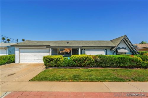 Photo of 931 Elkelton Blvd, Spring Valley, CA 91977 (MLS # 200035251)