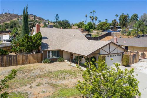 Photo of 1436 Esperanza Way, Escondido, CA 92027 (MLS # 200046260)