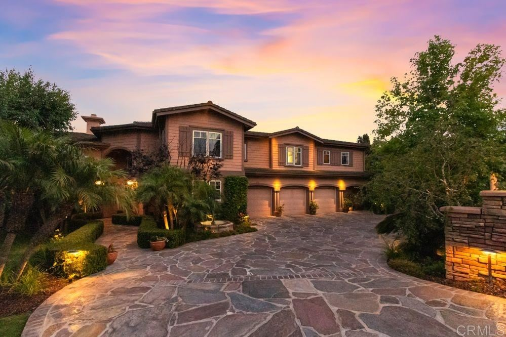 Photo of 2315 Casa Hermosa Ct, Encinitas, CA 92024 (MLS # 200029264)