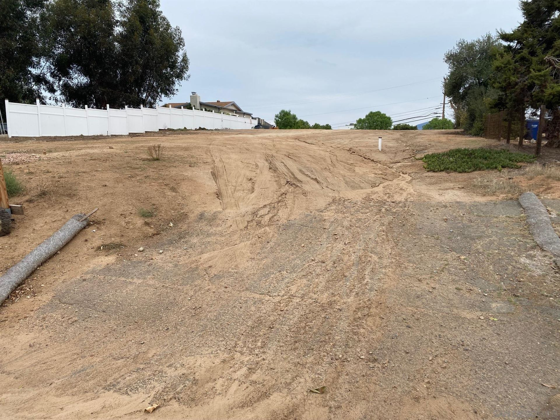 Photo of 0 Willow St, Bonita, CA 91902 (MLS # 210028268)