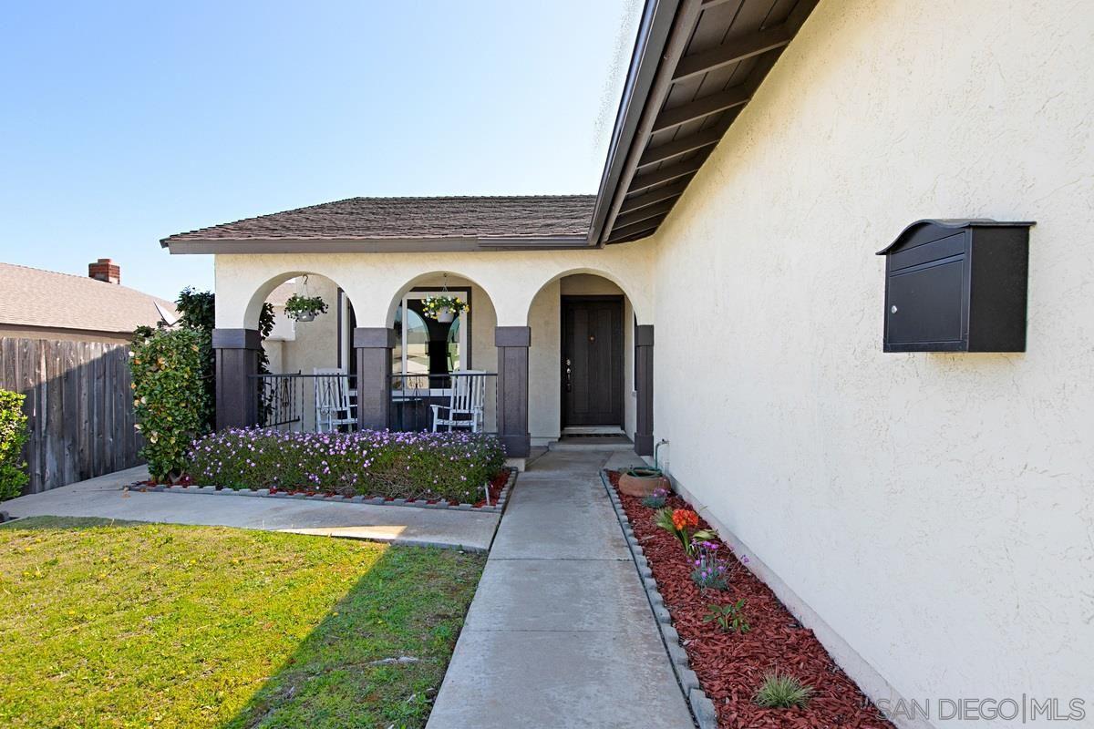 Photo of 12921 Grimsley Ave, Poway, CA 92064 (MLS # 210008275)