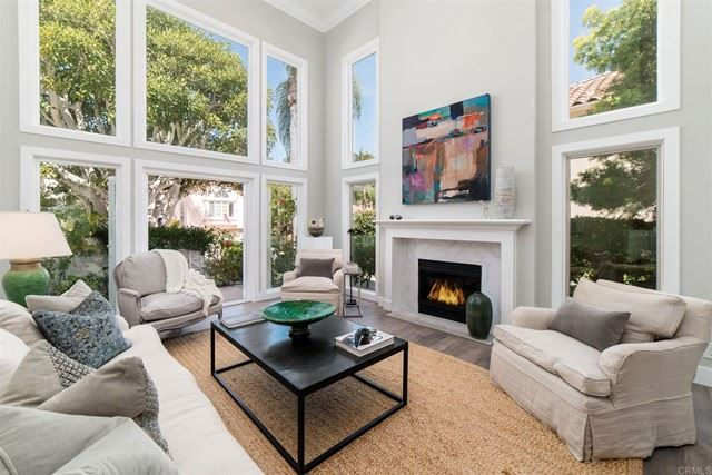 Photo of 13092 Caminito Pointe Del Mar, Del Mar, CA 92014 (MLS # NDP2103275)