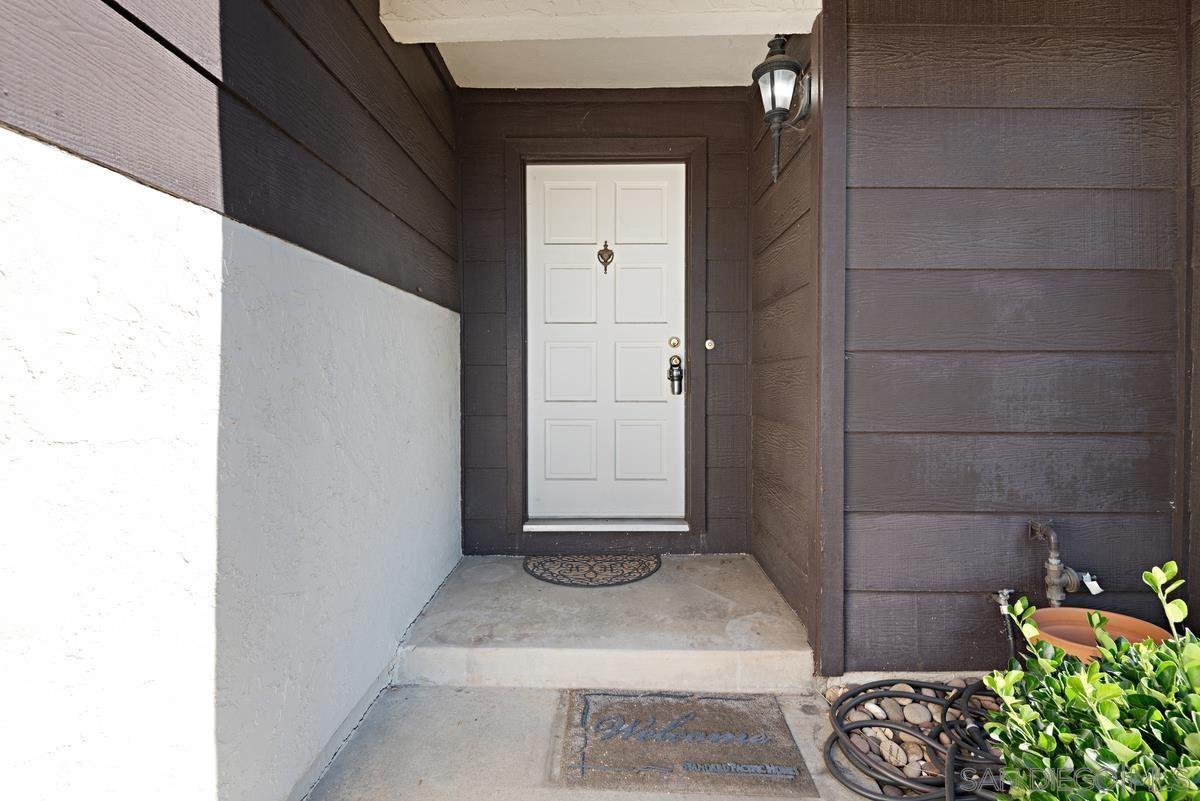 Photo of 640 Banjo Ct, San Marcos, CA 92069 (MLS # 210016278)