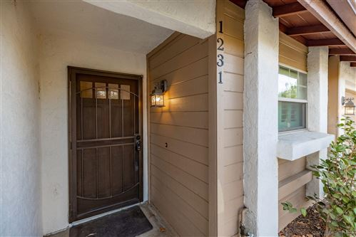 Photo of 1231 Sundown Gln, Escondido, CA 92026 (MLS # 210027279)
