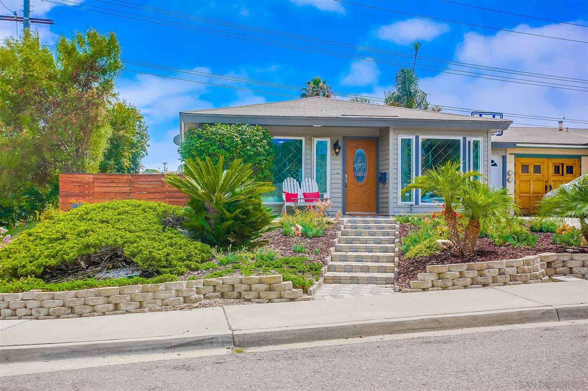 Photo of 751 Sunflower St, Encinitas, CA 92024 (MLS # 210021279)