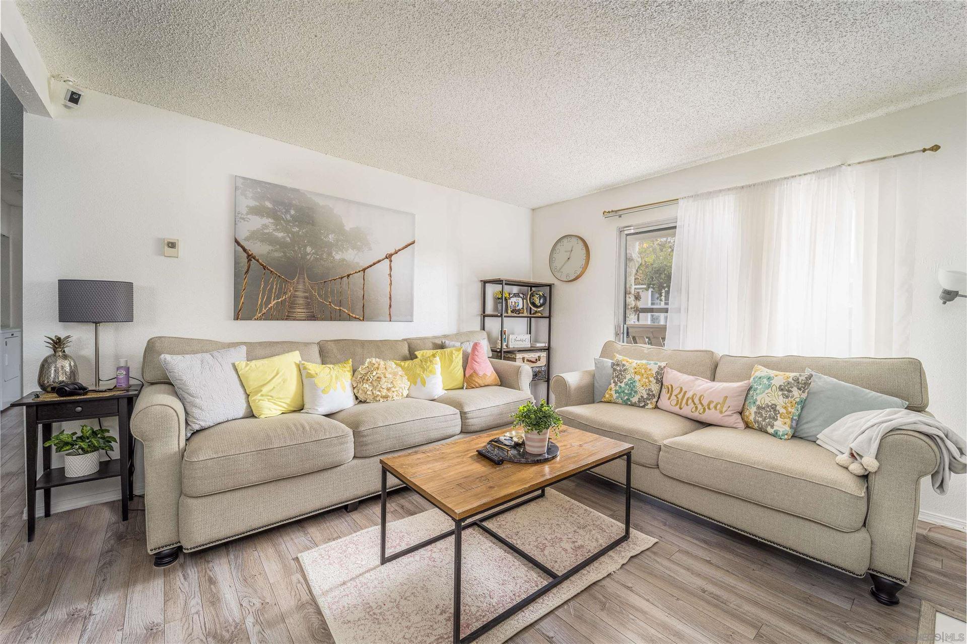 Photo of 520 Sandalwood Place #7, Escondido, CA 92027 (MLS # 210029288)