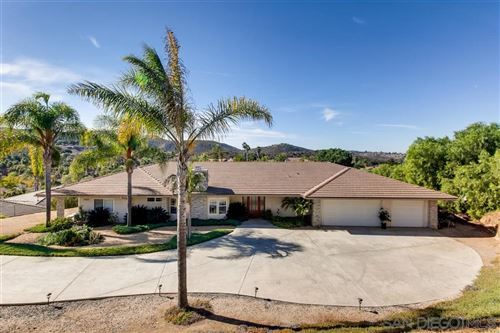 Photo of 29802 KIRSTEN Lane, Vista, CA 92084 (MLS # 190062289)