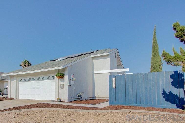 Photo of 13111 Avenida Grande, San Diego, CA 92129 (MLS # 200041294)