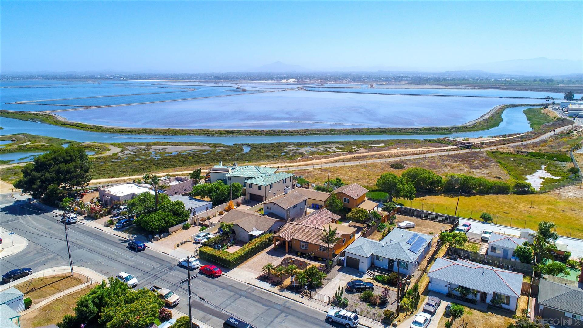 Photo of 417 8th St, Imperial Beach, CA 91932 (MLS # 210016299)