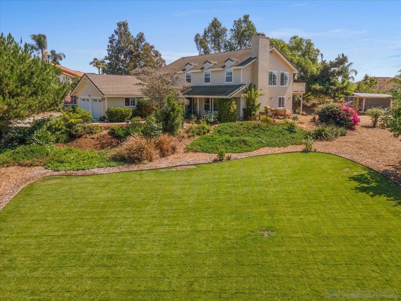 Photo of 1612 Mcdonald Rd, Fallbrook, CA 92028 (MLS # 210026301)