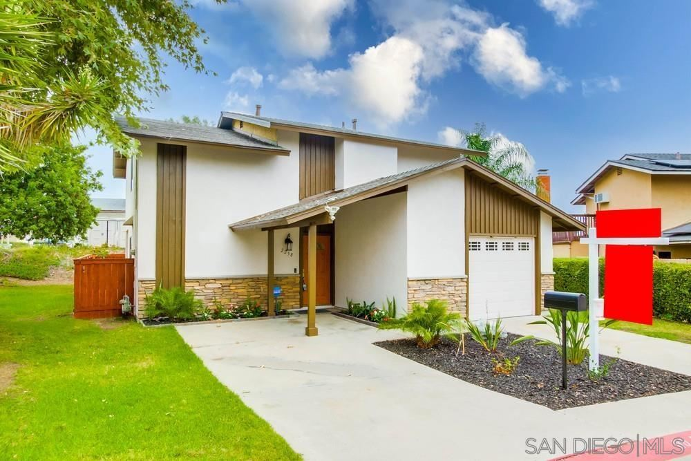 Photo of 2258 Ledgeview Ln, Spring Valley, CA 91977 (MLS # 210023309)
