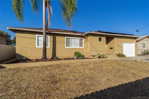 Photo of 624 Erica St, Escondido, CA 92027 (MLS # 210021310)