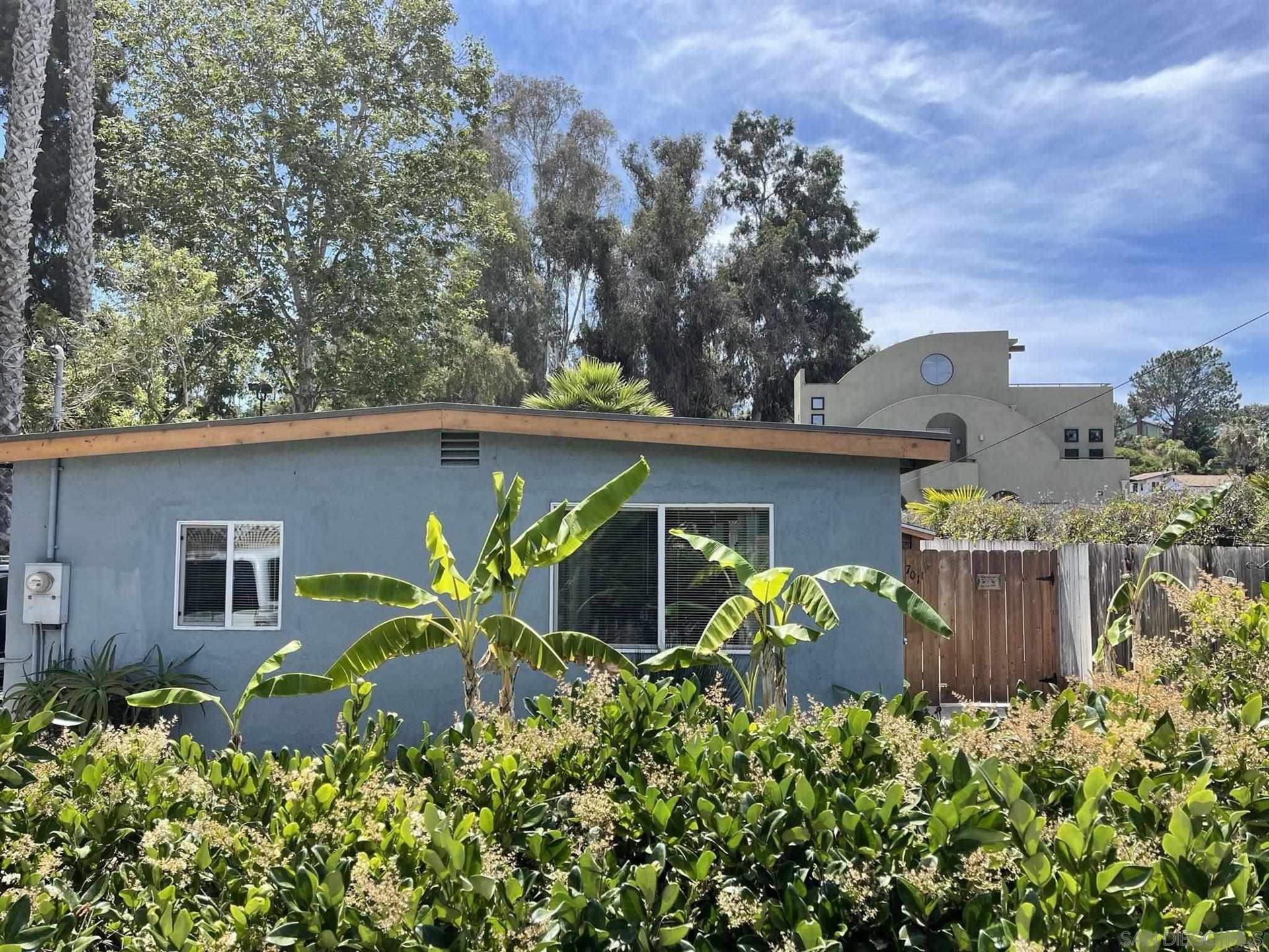 Photo of 701 Valley Ave, Solana Beach, CA 92075 (MLS # 210016319)