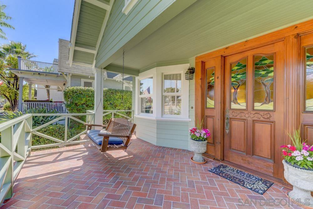 Photo of 408 Glorietta Blvd, Coronado, CA 92118 (MLS # 210027323)