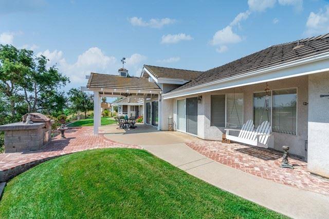 Photo of 2170 Saffron Way, Fallbrook, CA 92028 (MLS # NDP2108325)