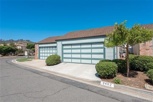 Photo of 2462 Turnbridge Gln, Escondido, CA 92027 (MLS # 210026331)