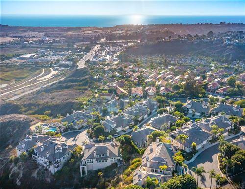 Photo of 3318 Caminito Luna Nueva, Del Mar, CA 92014 (MLS # 210027331)
