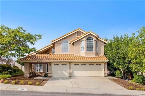 Photo of 1008 Felicidad Drive, Fallbrook, CA 92028 (MLS # 200045334)
