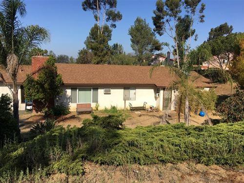 Photo of 1227 Oasis Dr, Escondido, CA 92026 (MLS # 180042335)