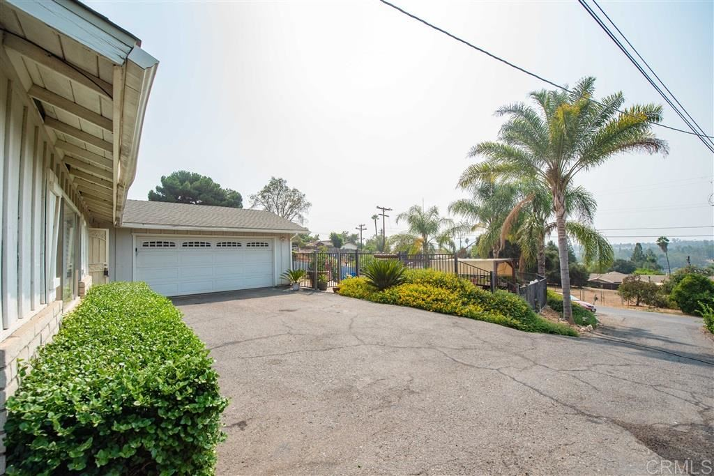 Photo of 1610 Jose Lane., Escondido, CA 92026 (MLS # 200045347)