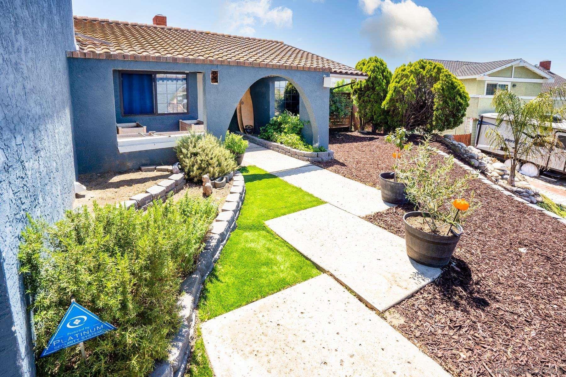 Photo of 1286 Rippey St, El Cajon, CA 92020 (MLS # 210015350)