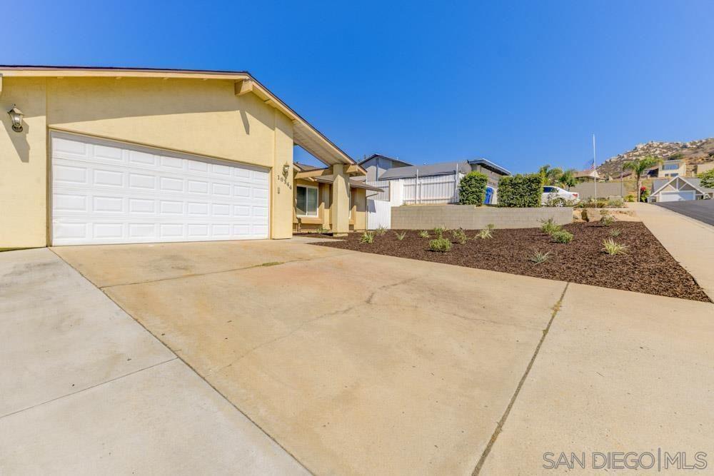 Photo of 10344 Amada Place, Santee, CA 92071 (MLS # 210026352)
