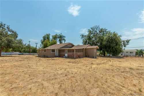 Photo of 1811 Montecito Rd, Ramona, CA 92065 (MLS # 200049355)