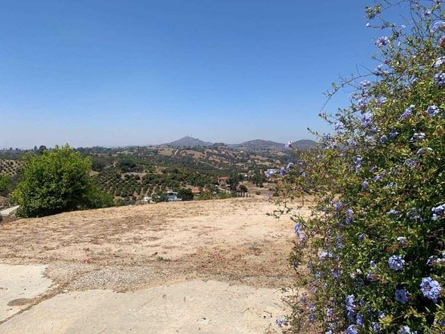 Photo of 1504 Via Chaparral, Fallbrook, CA 92028 (MLS # NDP2106355)
