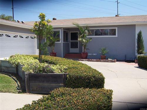 Photo of 6200 Twin Lake Drive, La Mesa, CA 91942 (MLS # PTP2104363)