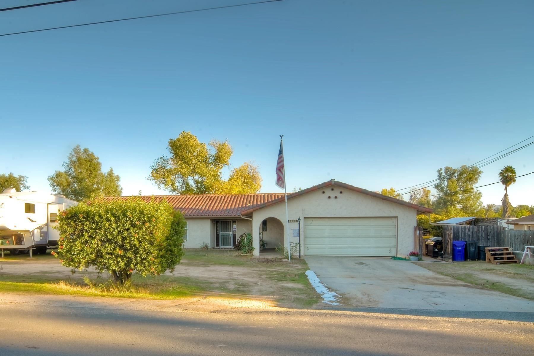 Photo of 2250 Raymond, Ramona, CA 92065 (MLS # 200051364)
