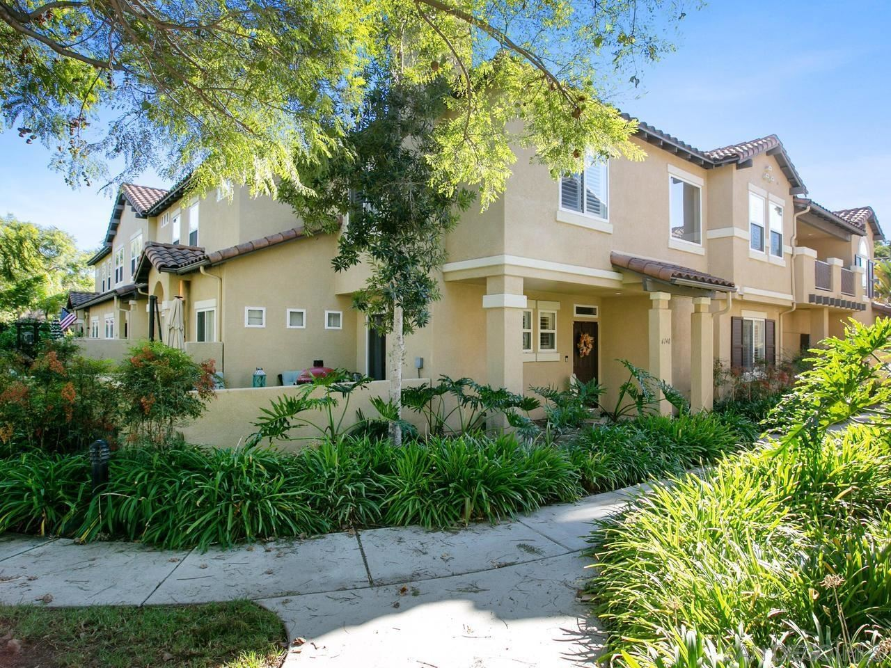 Photo of 6140 Citracado Circle, Carlsbad, CA 92009 (MLS # 210021369)