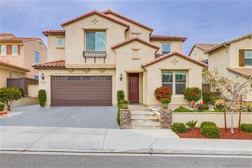 Photo of 522 Adobe Estates Dr, Vista, CA 92083 (MLS # 210002370)