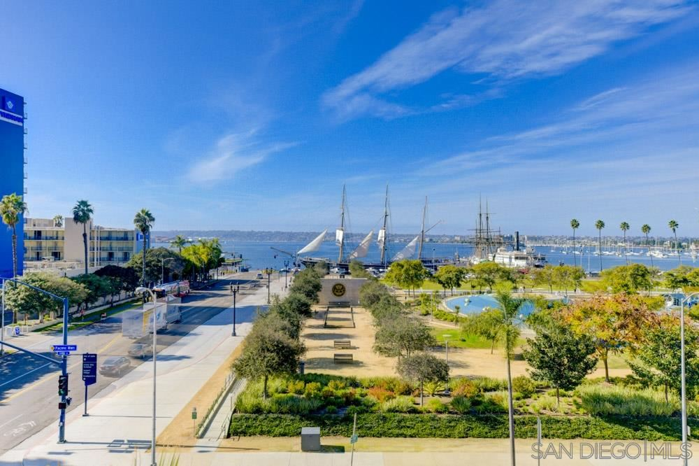 Photo for 1431 Pacific Hwy #511, San Diego, CA 92101 (MLS # 200002370)