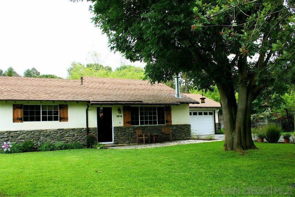 Photo of 1876 Kurenda Way, Vista, CA 92083 (MLS # 210015371)