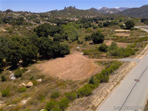 Photo of 12610 Via Vigneto, Lakeside, CA 92040 (MLS # 200032375)