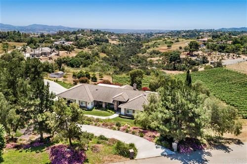 Photo of 2821 Toulouse Ln., Fallbrook, CA 92028 (MLS # 200024390)
