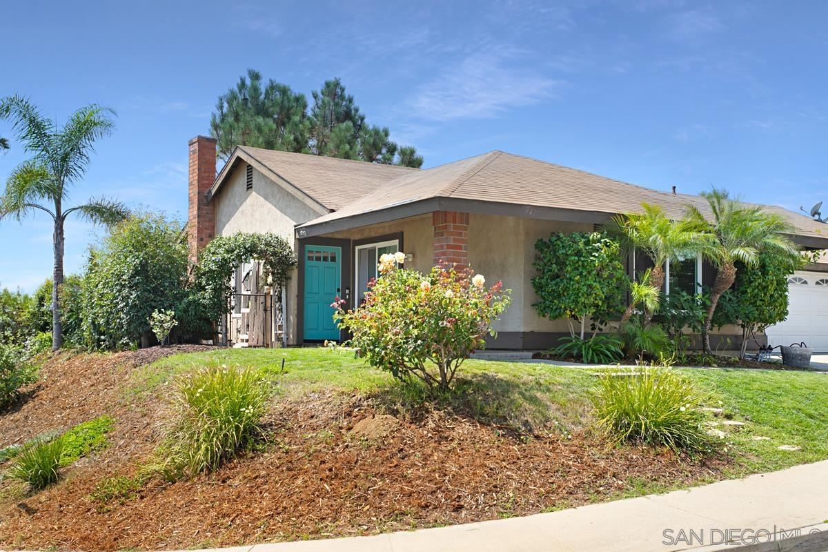 Photo of 967 Greenlake Ct, Cardiff by the Sea, CA 92007 (MLS # 210022393)