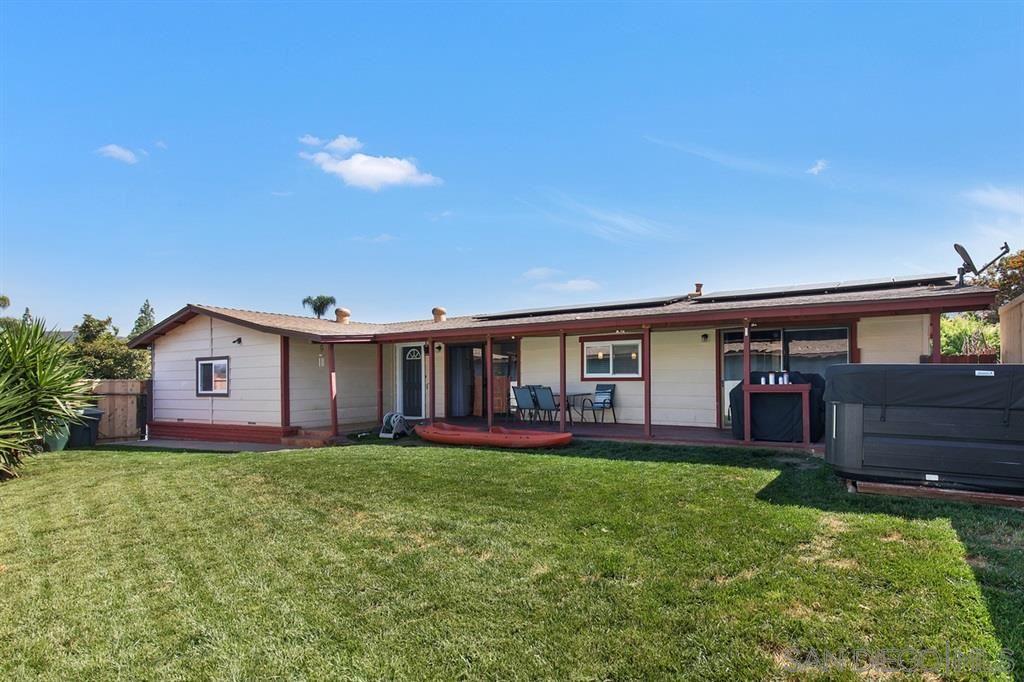 Photo of 217 Walnut Glen, Escondido, CA 92027 (MLS # 200045398)