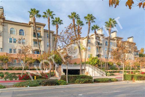 Photo of 640 Camino De La Reina #1308, San Diego, CA 92108 (MLS # 200052401)