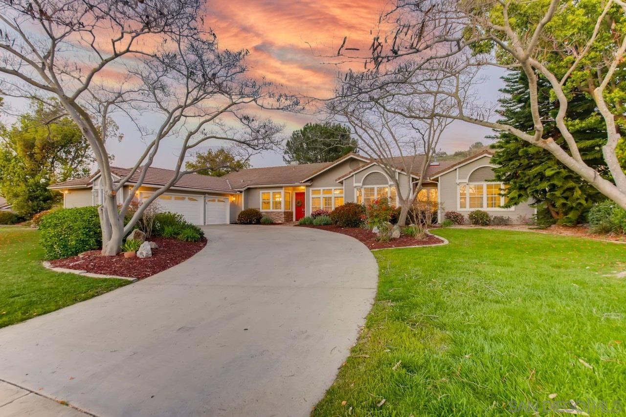 Photo of 15825 Bent Tree Rd, Poway, CA 92064 (MLS # 210008402)