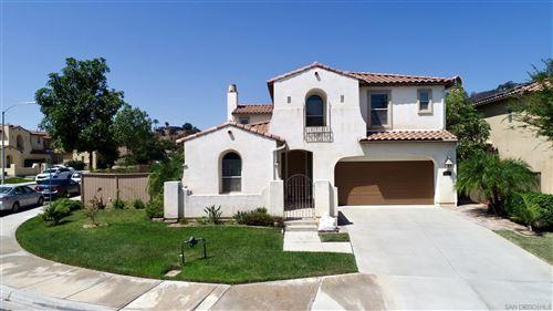 Photo of 2626 Pummelo Ct, Escondido, CA 92027 (MLS # 210026409)