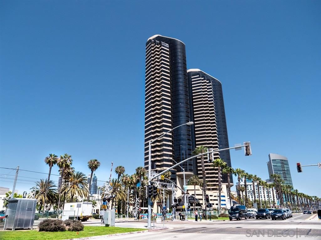 Photo for 100 Harbor Drive #2805/2806, San Diego, CA 92101 (MLS # 200038415)