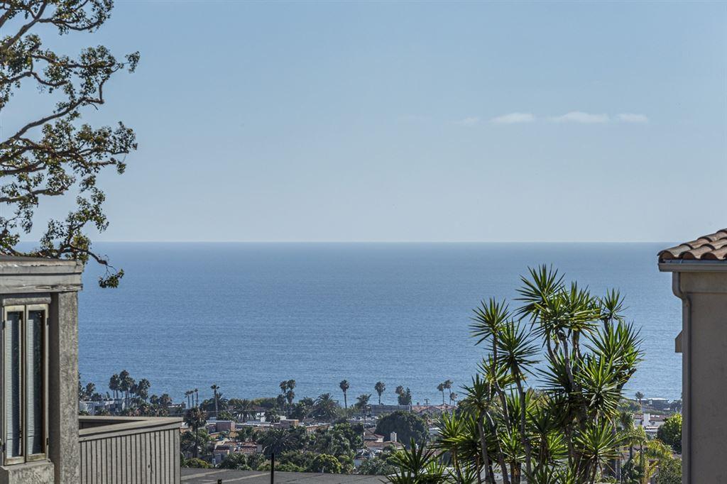 Photo of 1353 Caminito Arriata, La Jolla, CA 92037 (MLS # 200031416)