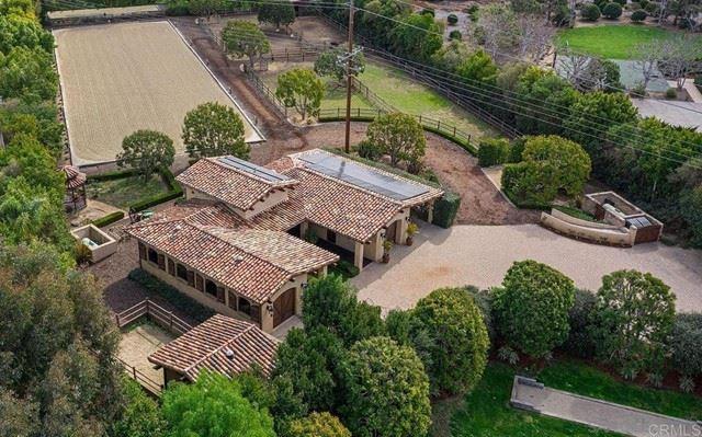 Photo of 16161 Valle De Oro, Rancho Santa Fe, CA 92067 (MLS # NDP2108438)