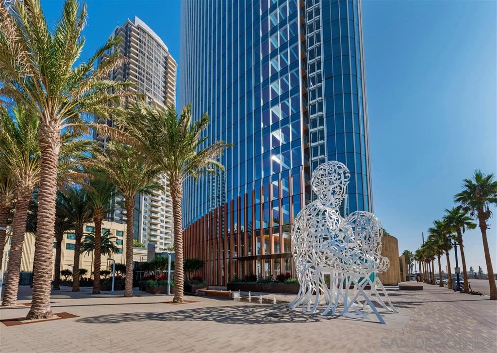Photo for 888 W E St #2305, San Diego, CA 92101 (MLS # 200010441)